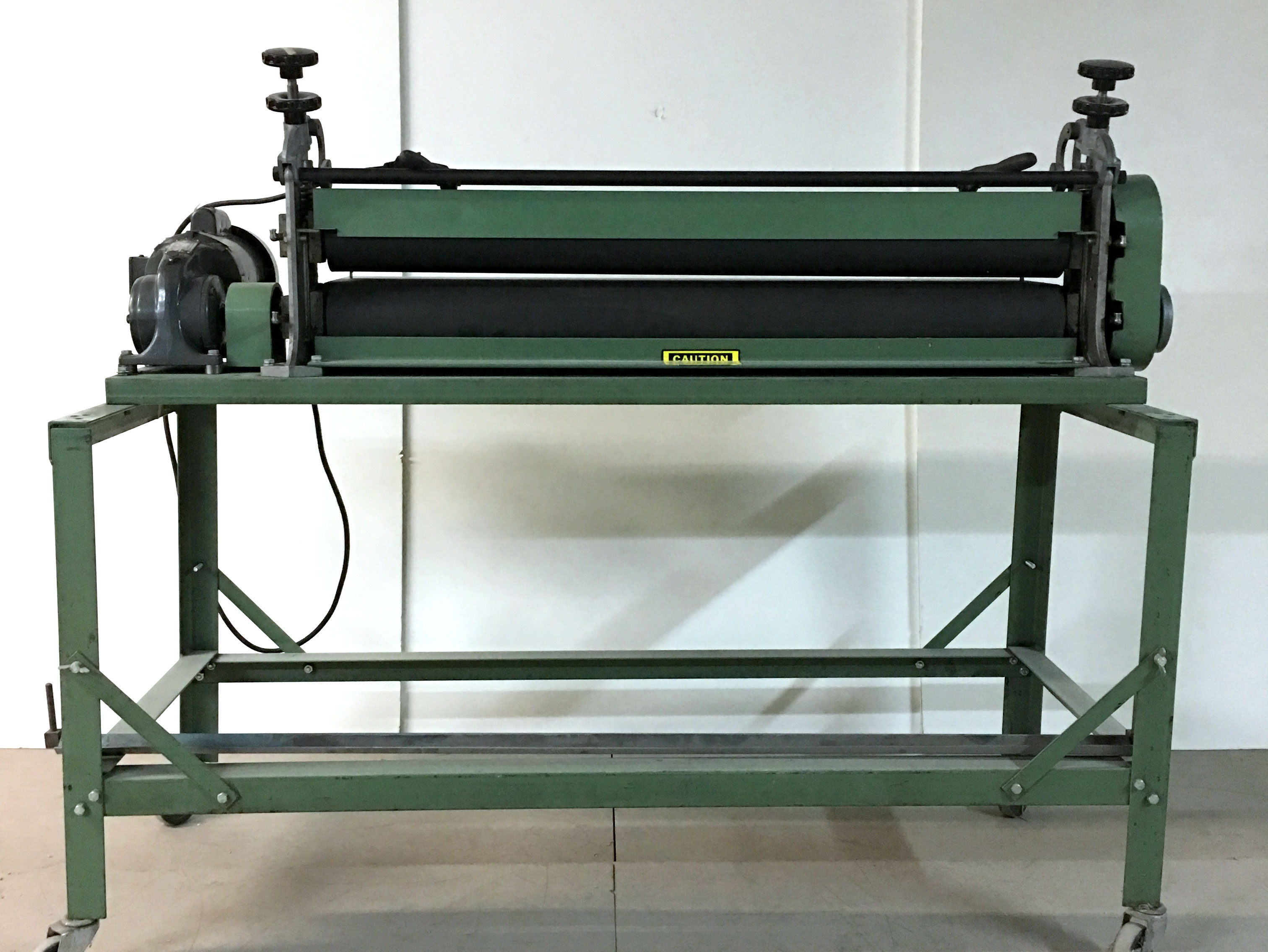 Roller Press Die Cutter Machine